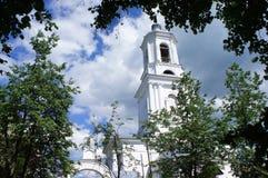 Vista del campanile della chiesa ortodossa Fotografie Stock Libere da Diritti