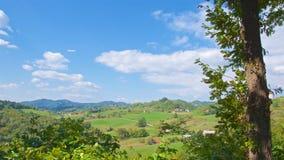 Vista del campo con las casas en Croacia Fotografía de archivo libre de regalías