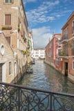 Vista del canale di acqua a Venezia Immagine Stock Libera da Diritti