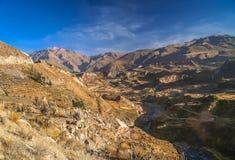 Vista del canyon profondo Colca Immagini Stock