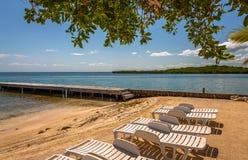 Vista del Caribe hermosa con agua de la turquesa en la isla de Belice imagenes de archivo