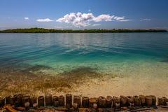Vista del Caribe hermosa con agua de la turquesa en la isla de Belice fotos de archivo libres de regalías
