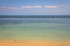 Vista del Caribe hermosa con agua de la turquesa en la isla de Belice fotografía de archivo libre de regalías