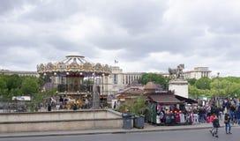 Vista del carrusel de la torre Eiffel fotografía de archivo libre de regalías