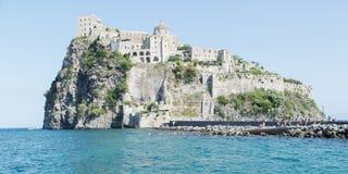 Vista del castello aragonese degli ischi Fotografia Stock Libera da Diritti