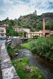 Vista del castello del cataro in Lastours fotografia stock