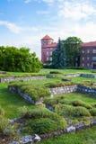 Vista del castello di Wawel con il giardino, Cracovia, Polonia Fotografie Stock Libere da Diritti
