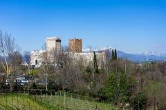 Vista del castillo del ` del ` del chalet también conocido como castillo del ` s de Romeo en Montecchio Maggiore Fotografía de archivo