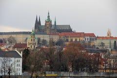 Vista del castillo de Praga Imágenes de archivo libres de regalías
