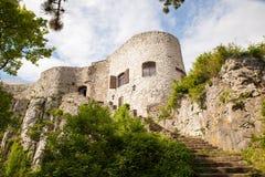 Vista del castillo del St Servolo Imagenes de archivo