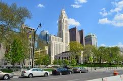 Vista del centro della via della città immagini stock