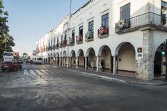 Vista del centro della via a Valladolid, Messico fotografia stock libera da diritti