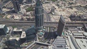 Vista del centro del Dubai di architettura moderna dal video di riserva superiore del metraggio archivi video