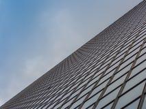 Vista del cielo e del grattacielo Fotografia Stock Libera da Diritti