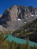 Vista del Crag del tempiale sopra il secondo lago Immagine Stock Libera da Diritti