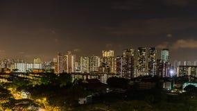 Vista del crepuscolo del centro di Singapore, lasso di tempo di scena di notte video d archivio