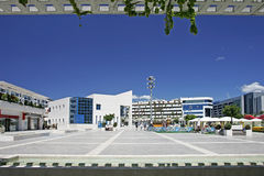 Vista del cuadrado principal imponente en Puerto Banus, España meridional Fotografía de archivo libre de regalías
