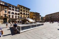 Vista del della Signoria della piazza e un'installazione di arte con la a Immagine Stock