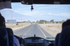 Vista del desierto de Atacama del camino Fotos de archivo