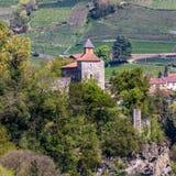 Vista del dettaglio sul castello Zenoburg Villaggio di Tirolo, provincia Bolzano, Tirolo del sud, Italia fotografia stock libera da diritti