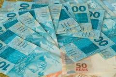 Vista del dinero/de los reais brasileños imagen de archivo libre de regalías
