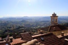 Vista del distretto della montagna a San Marino Fotografia Stock Libera da Diritti