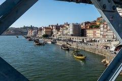 Vista del distretto di ribeira dal ponte del luise dei DOM fotografia stock libera da diritti