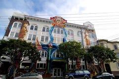 Vista del edificio de la mujer de San Francisco imagen de archivo libre de regalías