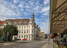 Vista del edificio de la oficina del distrito municipal en Liesing - el 23ro distrito en Viena, Austria fotos de archivo libres de regalías