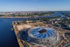 Vista del estadio de Nizhny Novogorod, construyendo para el mundial 2018 de la FIFA en Rusia imagen de archivo libre de regalías