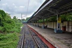 Vista del ferrocarril vacante, Bengala Occidental, la India fotografía de archivo libre de regalías