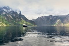 Vista del fiordo di Aurland in Norvegia - 4 Immagine Stock