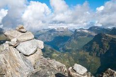 Vista del fiordo di Geriranger dalla montagna di Dalsnibba Fotografia Stock