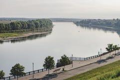 Vista del fiume dalla collina Immagini Stock Libere da Diritti