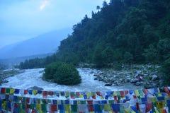 Vista del fiume del manali India della città Fotografia Stock Libera da Diritti