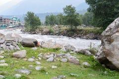 Vista del fiume del manali India della città Immagine Stock Libera da Diritti