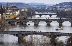 Vista del fiume della Moldava e dei ponti, Praga, repubblica Ceca Fotografia Stock Libera da Diritti