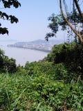 Vista del fiume di Bramhaputra dalla collina di Nilachal fotografia stock