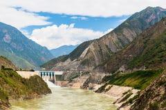 Vista del fiume Jinsha sulla direzione da Lijiang al lago Lugu Immagine Stock Libera da Diritti