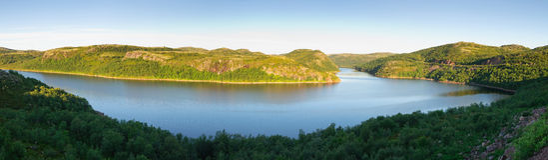 Vista del fiume Teriberka Kola Peninsula Fotografia Stock Libera da Diritti