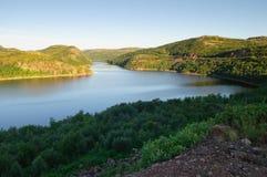 Vista del fiume Teriberka su Kola Peninsula Immagini Stock Libere da Diritti