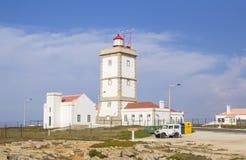 Vista del fondo del faro in Peniche, Portogallo immagini stock