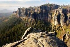 Vista del fronte della roccia dell'arenaria Fotografie Stock