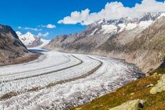 Vista del ghiacciaio di Aletsch sulle montagne Immagine Stock