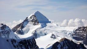 Vista del ghiacciaio e del Moench di Eiger vicino a Jungfraujoch nelle alpi svizzere Immagini Stock Libere da Diritti