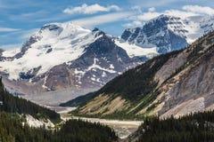 Vista del ghiacciaio ed alpina dallo Skywalk Fotografie Stock