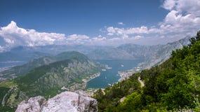 Vista del golfo de Boka-Kotorska montenegro Foto de archivo libre de regalías