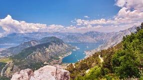Vista del golfo de Boka-Kotorska montenegro Imágenes de archivo libres de regalías
