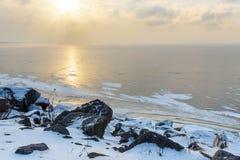 Vista del golfo di Finlandia congelato nel wiinter St Petersburg, Russia immagini stock libere da diritti