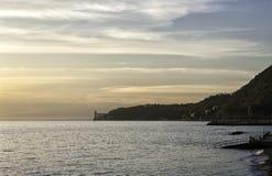 Vista del golfo di Trieste e del castello di Miramare immagine stock libera da diritti